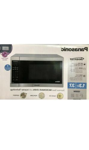 New 1.3CUFT STAINLESS MICROWAVE NN-SC668S