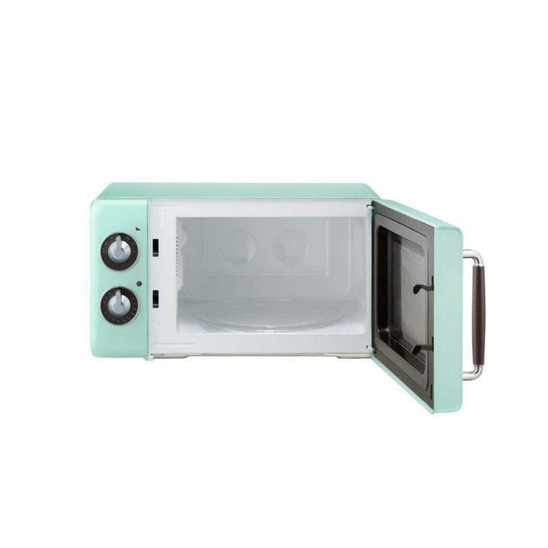Retro 0.7 Countertop Microwave in Mint Green