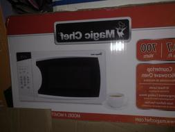 Magic Chef MCM770W 0.7 cu ft Countertop Microwave Oven - Whi